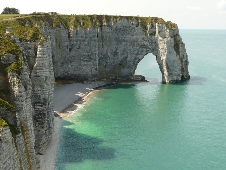 Etretat & Le Havre Small Group Day Trip from Paris