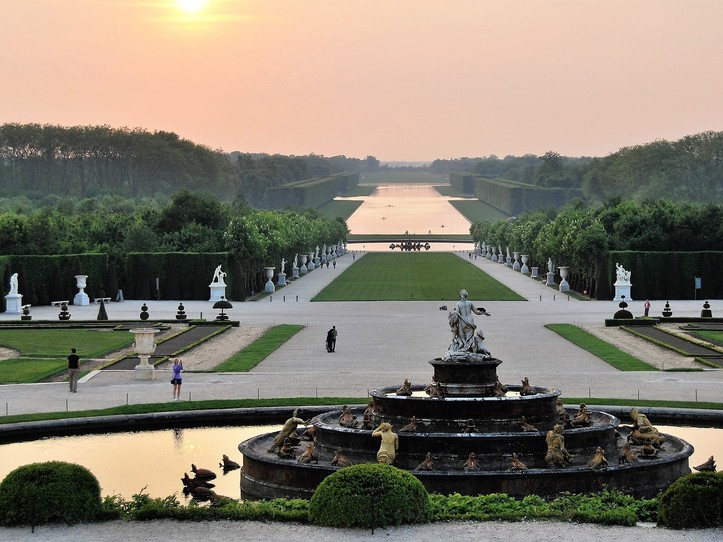 Private Versailles Full Day Excursion: Palace, Gardens and Trianon