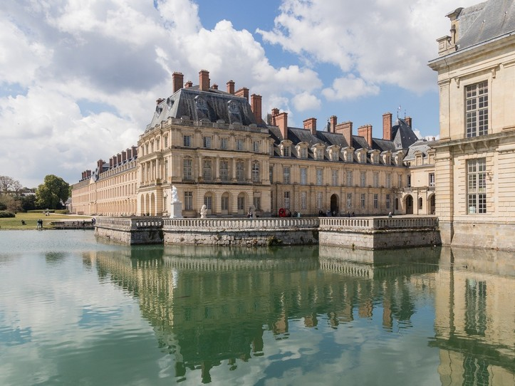 Private Vaux le Vicomte & Fontainebleau Day Trip from Paris