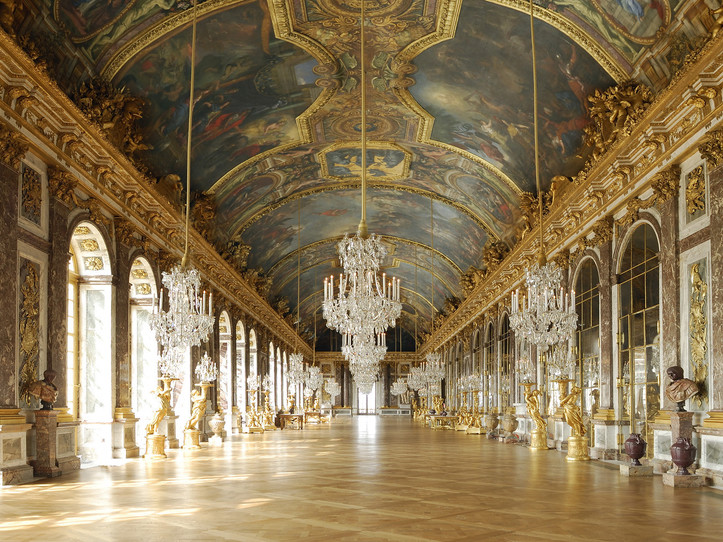 Versailles Small Group Guided Day Trip: Palace, Gardens and Trianon Domain